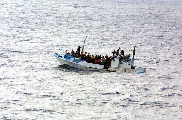 Slovenija v duhu solidarnosti pripravljena sprejeti pet migrantov z Malte
