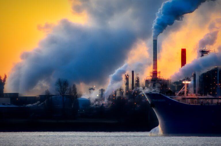 Kaj pa okoljska kriza? Kmalu bo prepozno za ukrepanje.