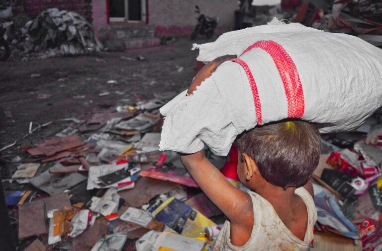 V delo prisiljenih 160 milijonov otrok, kar 70 odstotkov jih dela v kmetijstvu